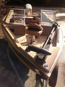 2000 1700 Lund Fisherman model - front
